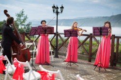 How to Choose Your Wedding Day Music