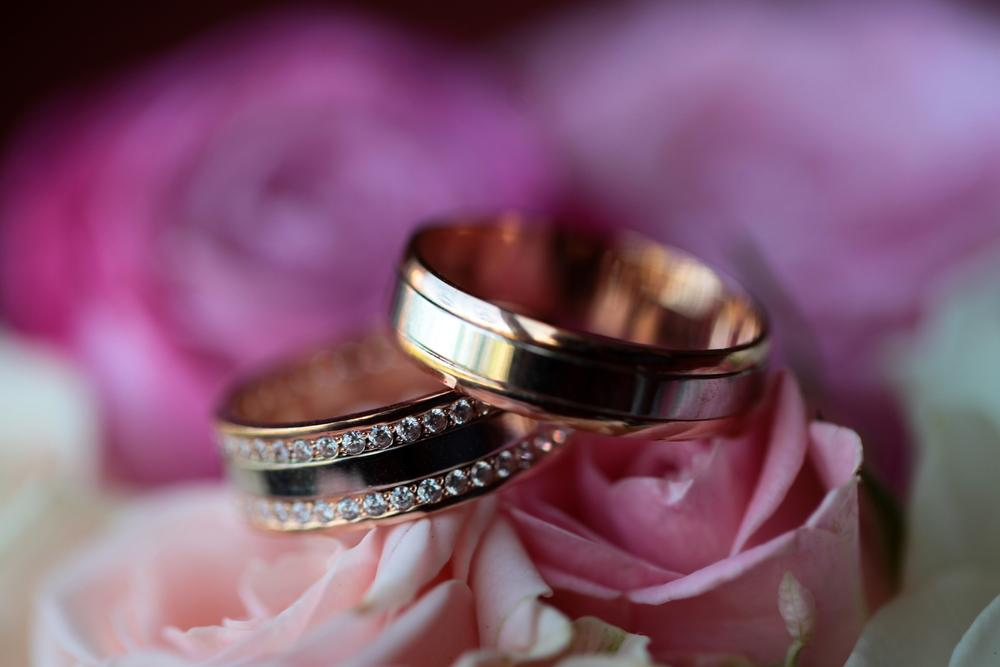 How Much Should You Spend on Wedding Rings?