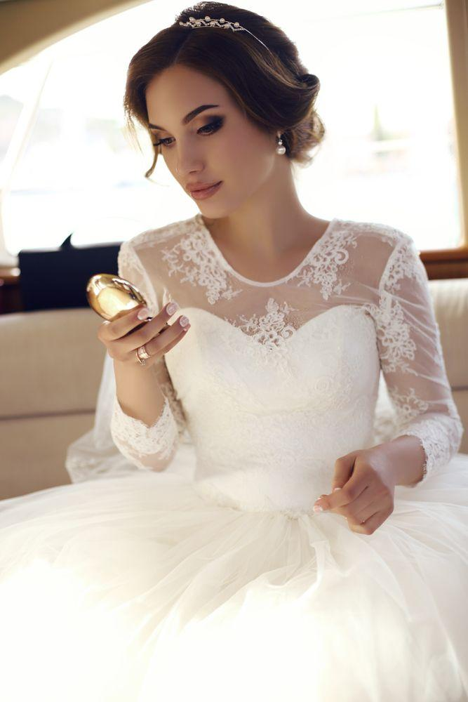 How to Choose the Items That Will Be Worn Underneath the Bride's Dress