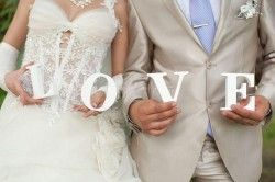 How to Determine Who Will Interact with the Vendors and the Guests on the Wedding Day