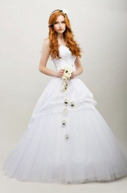 How to Test a Dress to See If You're Comfortable in It?