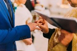 Should I Pay for My Wedding Attendants to Travel to My Wedding?